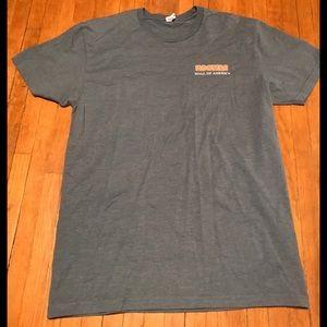 Hooters T-shirt Size Mens Medium